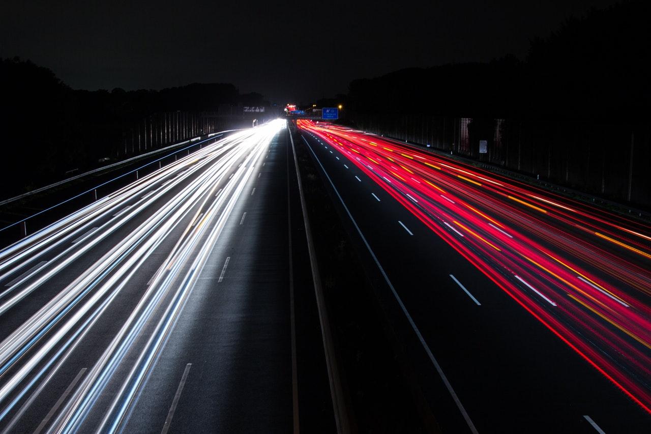 action-asphalt-blur-cars-315934 (1)